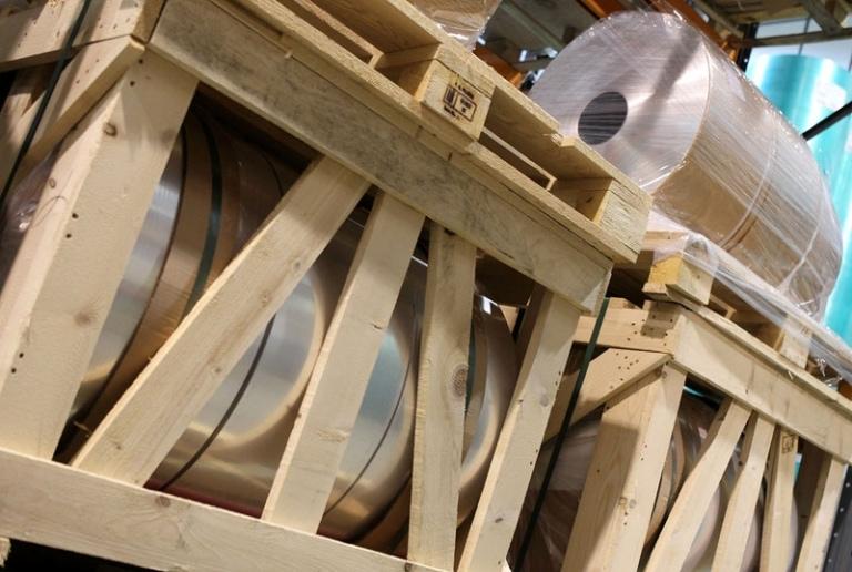 Foil reel storage